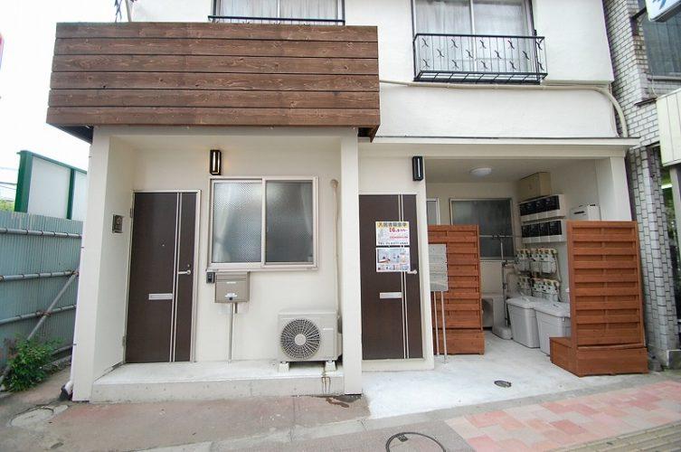 高田馬場にあるシェはハウスの外観