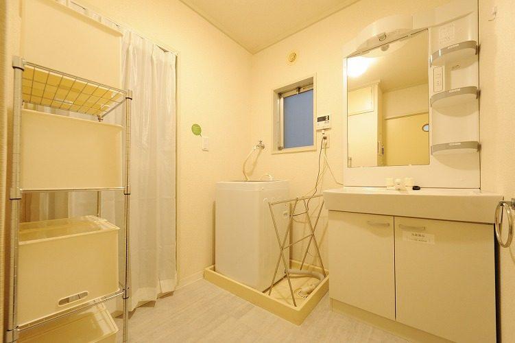 Washroom of the share house in Sinagawa1