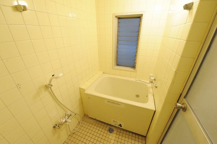 Shower room of the share house in Sinagawa1