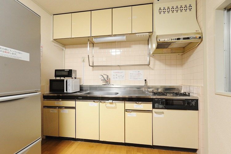 Kitchen of the share house in Sinagawa1